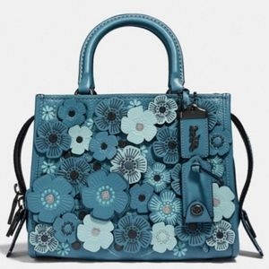 🎁🆕️ Authentic Coach Rogue 25 with Tea Rose